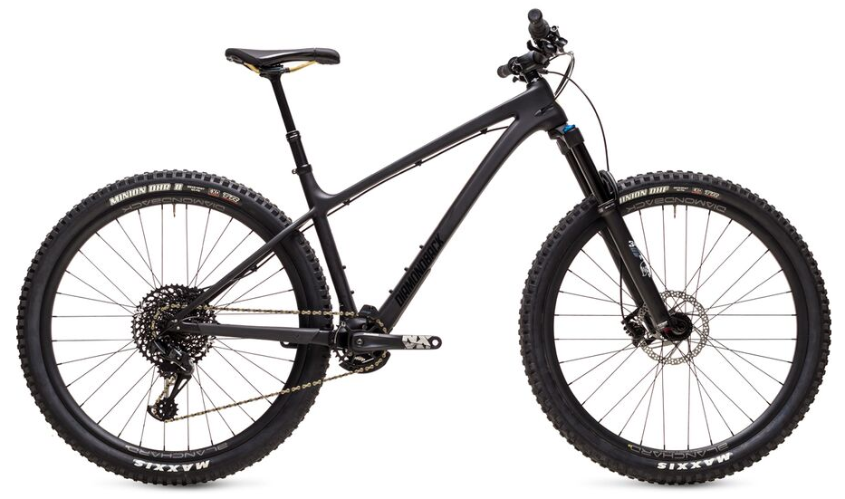 Best Hardtail Mountain Bike: DIAMONDBACK Sync'R 29 Carbon Mountain Bike